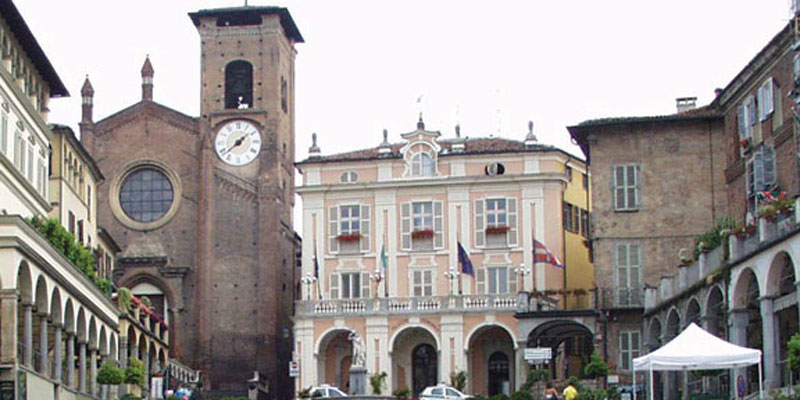 Moncalieri Comune piazza centrale