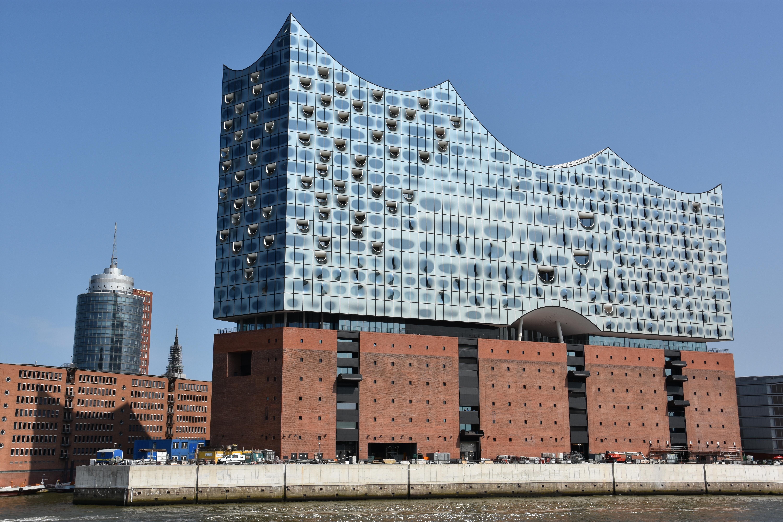 Architettura contemporanea ad amburgo raggiungere for Architettura contemporanea barcellona